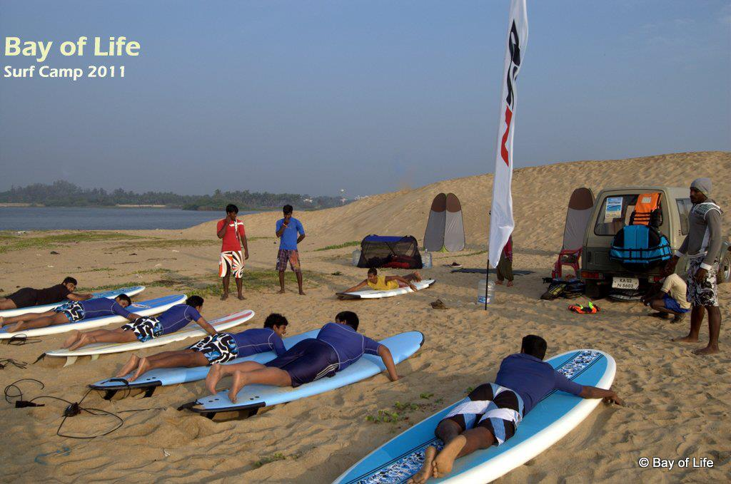 SFI setting the coaching standards for surf schools image